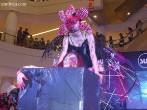 17-sub-halloween-make-up-contest
