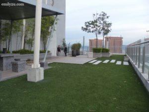 17-swiss-garden-hotel