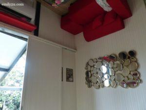 2-kuala-lumpur-upside-down-house