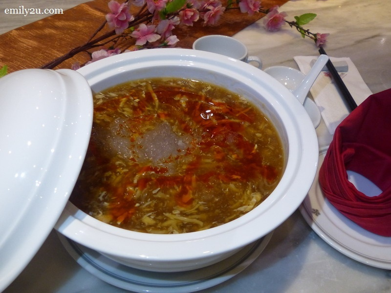 3. Szechuan-style bird's nest with crab meat soup