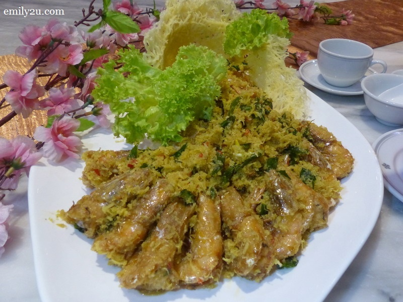 6. stir-fried butter prawns with grated coconut