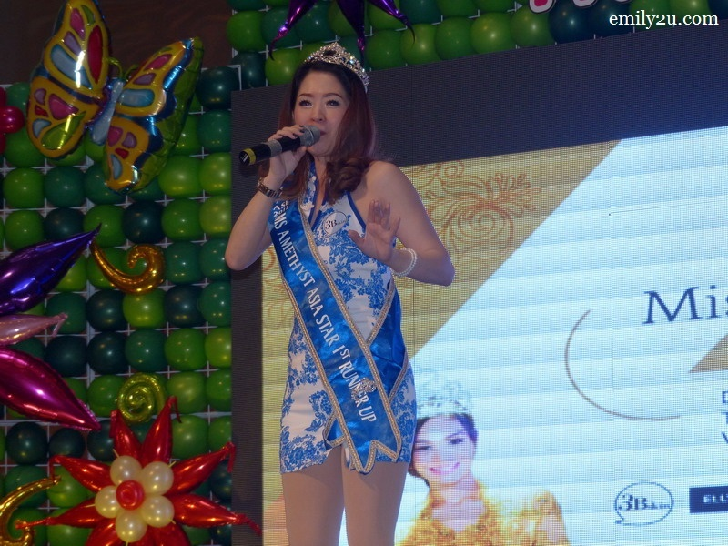 8. 2015 Ms Amethyst Asia Star 1st runner-up Ms. Kim Yu Hui renders a Malay song, Apa Guna Menjanji