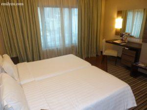 8-swiss-garden-hotel