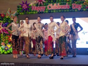 9-miss-malaysia-kebaya-perak