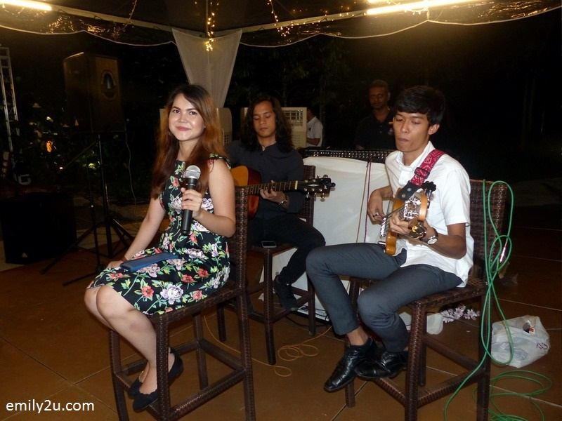 9. live entertainment by 4th Avenue Band