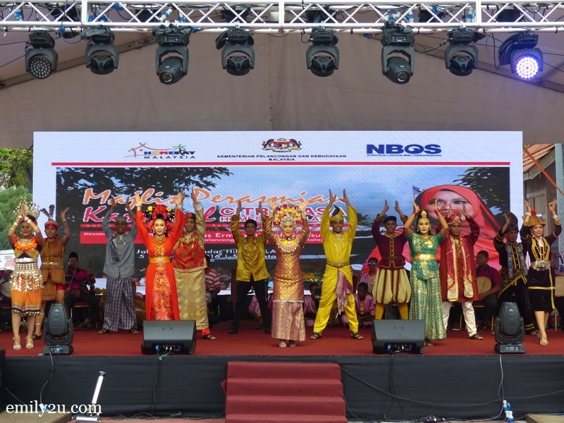 1. opening dance at the launch of Karnival Citrarasa Homestay Malaysia 2016