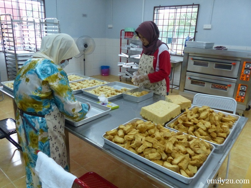 1. biskut tongkat production plant