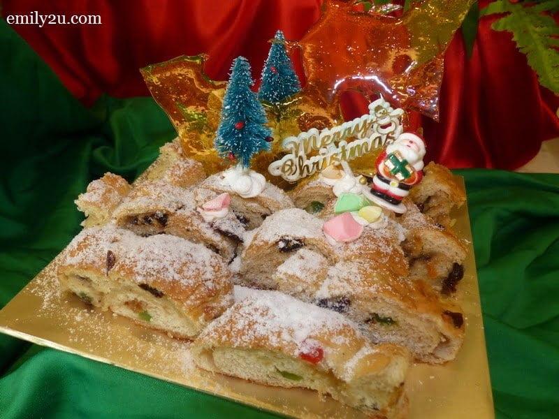 10. Christmas cake