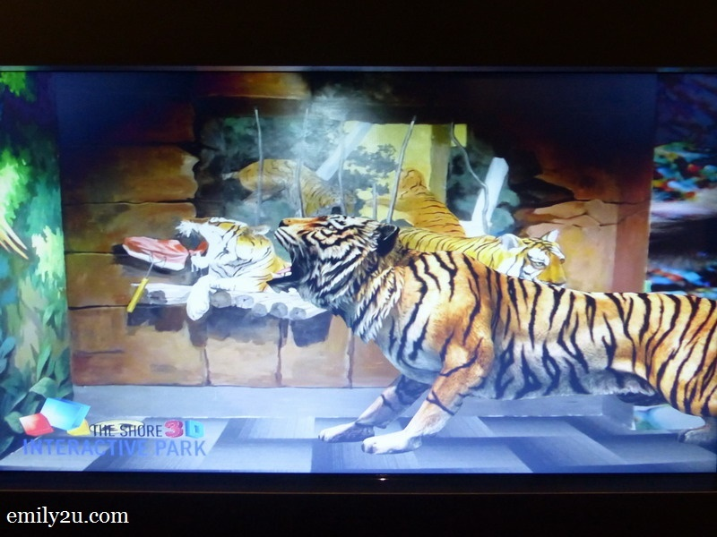 10. interactive tigers