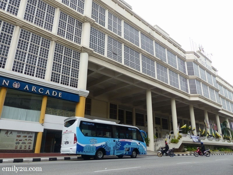 2. the shuttle bus has arrived at Syeun Hotel