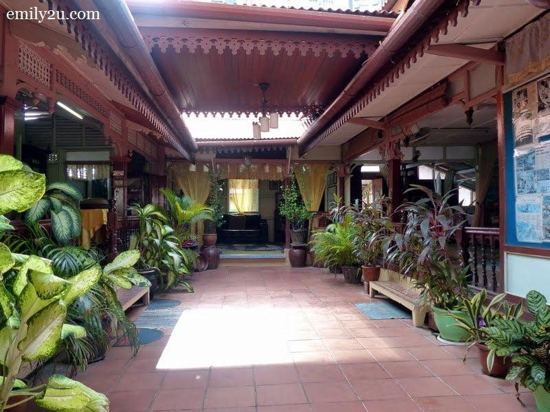 3. Villa Sentosa