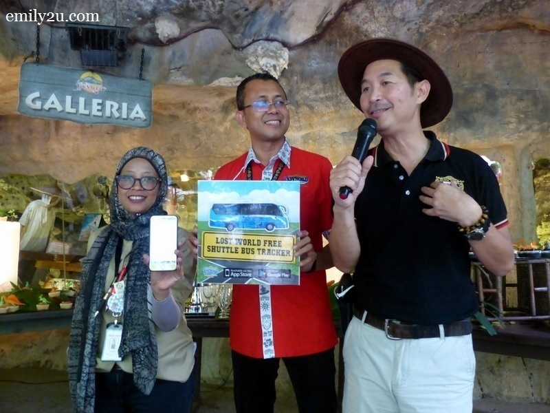6. introducing the mobile app are (L-R): Mazian Nawawi (Senior Executive - Communications & Public Relations), En. Malizan Zakaria (General Manager Lost World of Tambun Theme Park, Hotel & Spa) & Mr. Calvin Ho (Senior General Manager of Sunway Theme Parks)