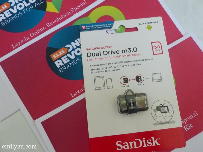 5. SanDisk 64GB flash drive