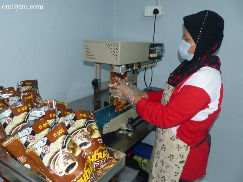 5. biskut tongkat production plant