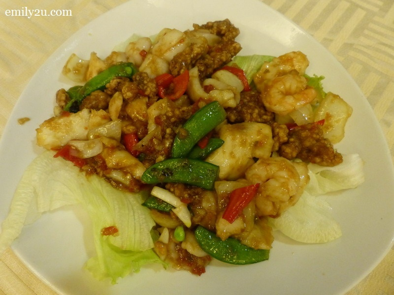 6. from the à la carte menu: Stir-fried Seafood with Homemade Spicy Bean Sauce (RM15)