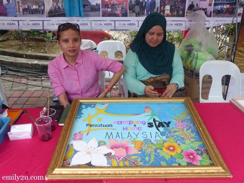6. a batik painting of Persatuan Kampung & Homestay Malaysia
