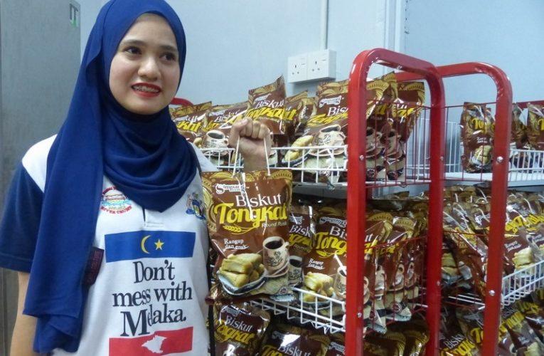 Visiting Biskut Tongkat Factory in Melaka