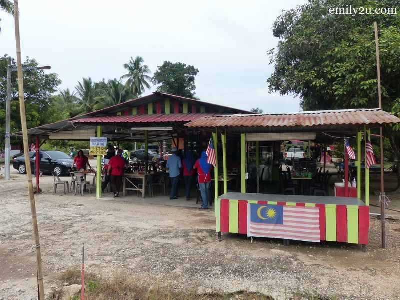 8. Warung Kari Kambing Power & Asam Pedas Claypot