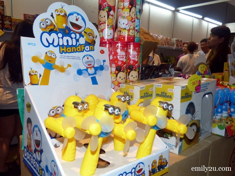 17. mini Minion handheld fans