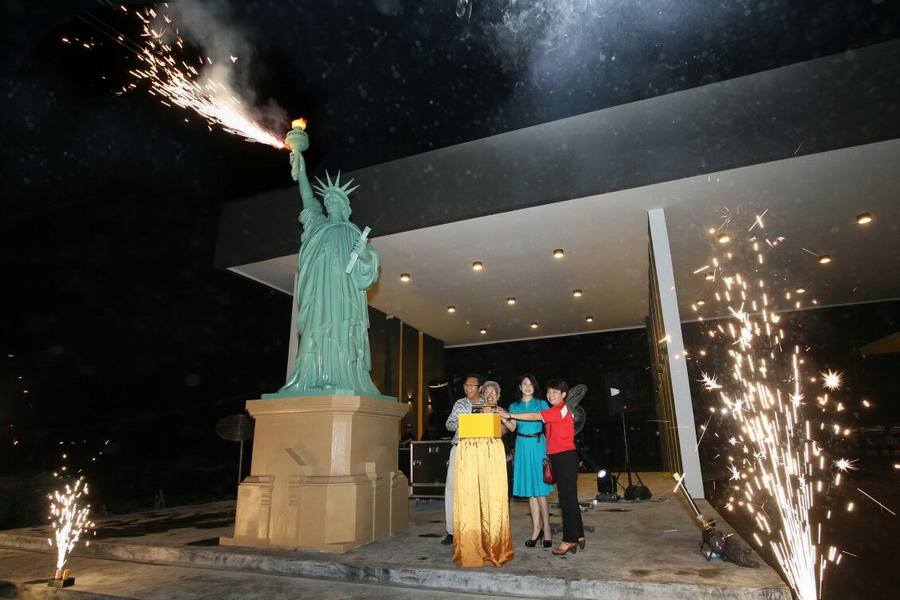 2. Ipoh's very own new icon, the Statue of Liberty