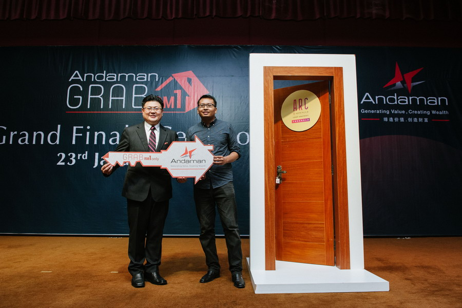 Ammar Yazid, 29, from Shah Alam, successfully unlocks the door