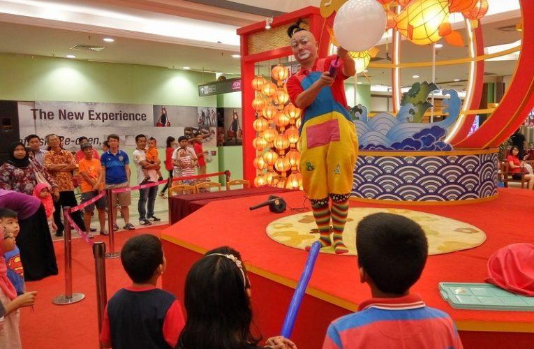 Giant Balloon Performance: CNY Edition