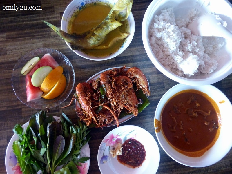 1. exotic lunch at Restoran Lembah Bernam