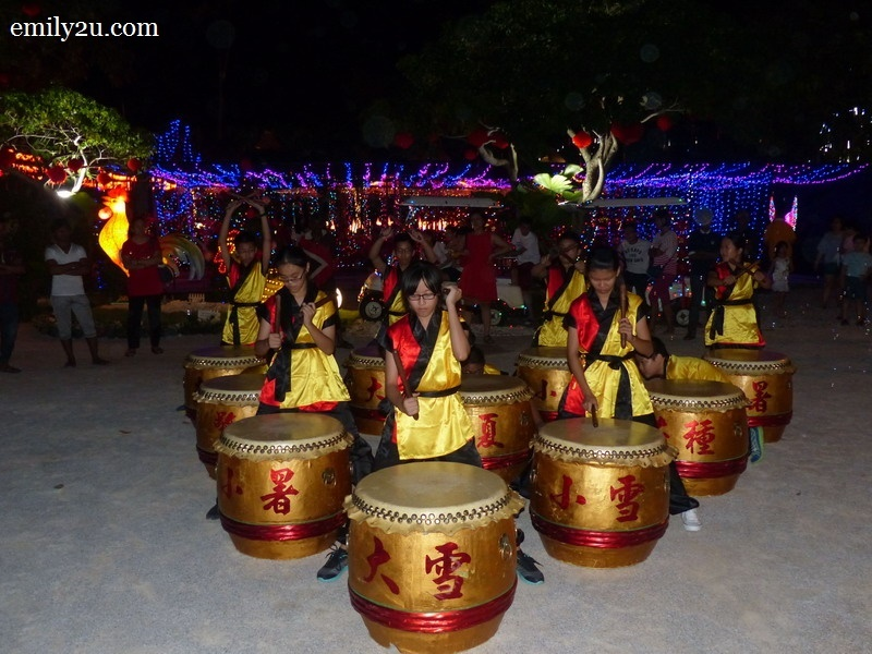 14. seasonal drums performance
