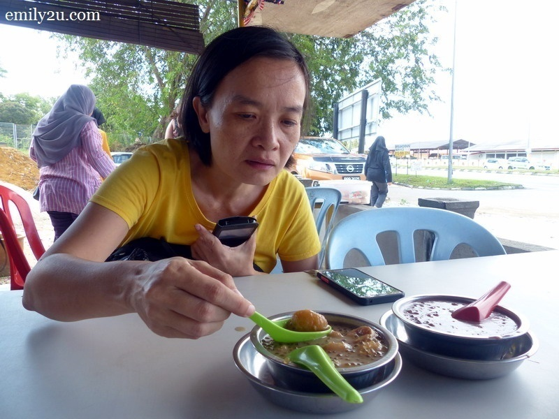 14. Ann tries to finish the two bowls of bubur