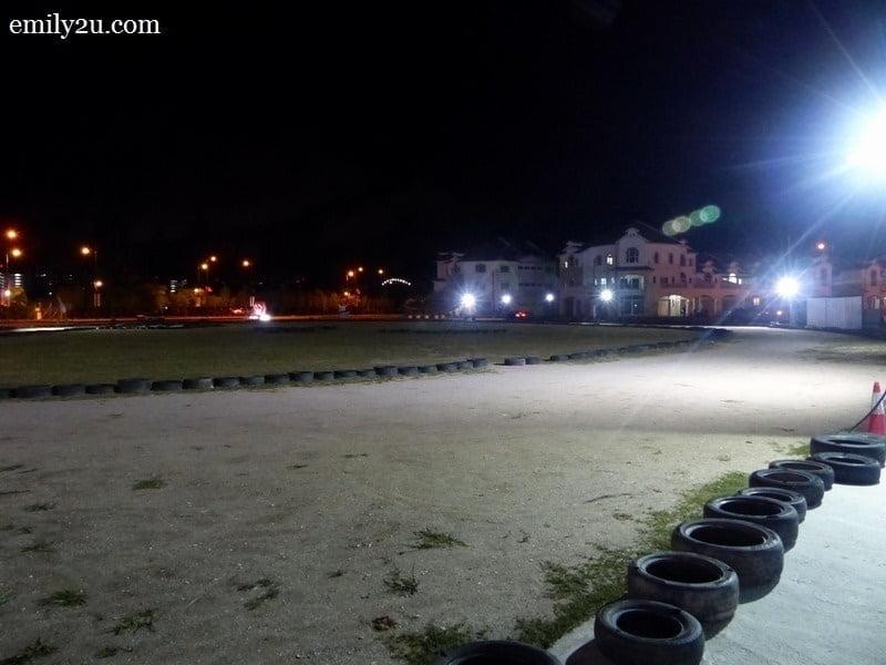 3. dirt track