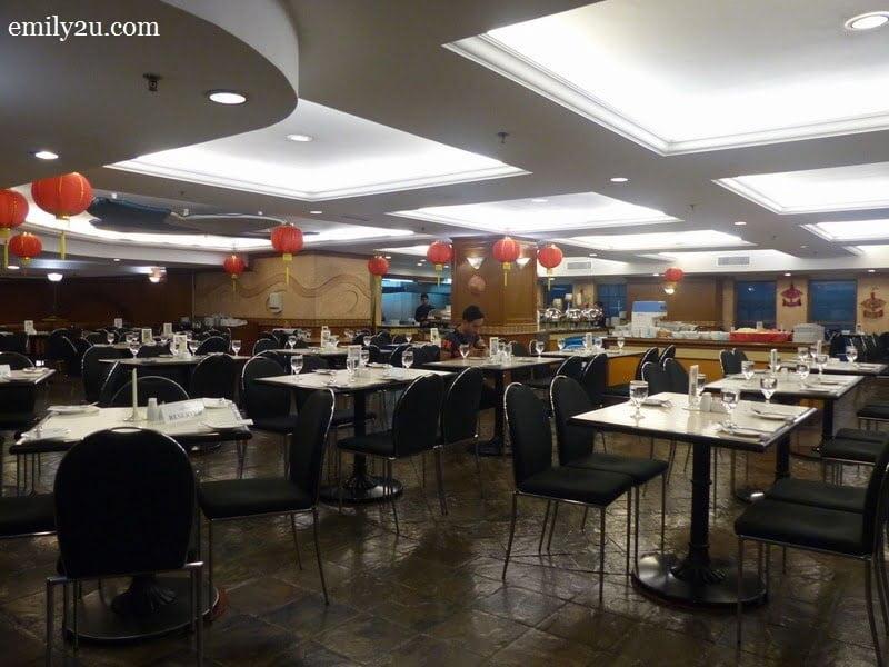 4. Oceania Buffet Restaurant