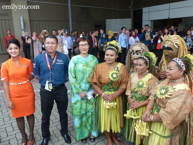 4. guest-of-honour YB Elizabeth Wong, State of Selangor Chairman for Tourism, Consumer Affairs and Environment (in green baju kurung), with CEO of Firefly Ignatius Ong (second from left) accompanied by Mah Meri tribal dancers