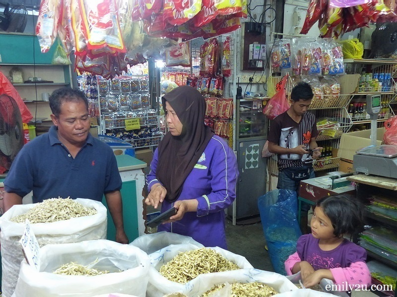 6. owner Pn. Jamilah (Mama) asks a customer,