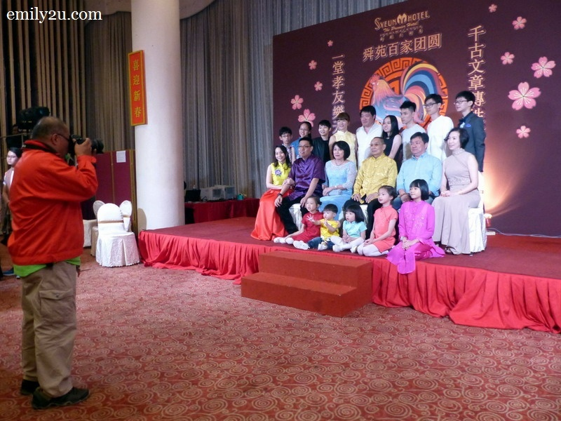 9. complimentary family photo - this is a shot of the family of Syeun Hotel