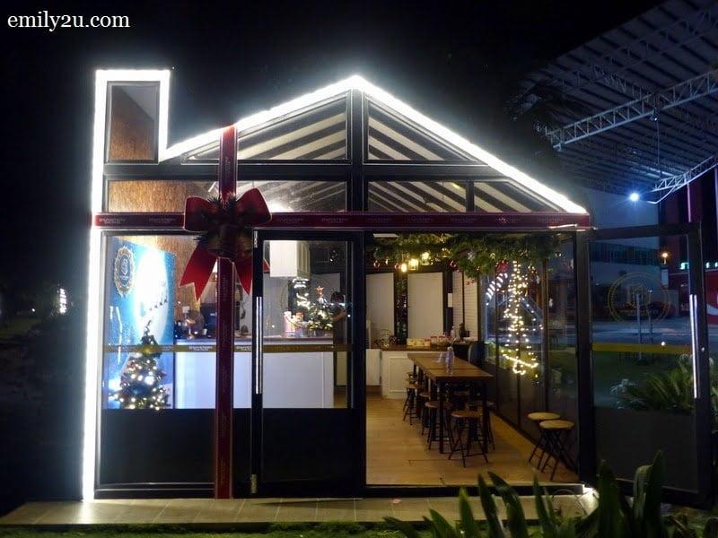 12. D'Mystery Café House
