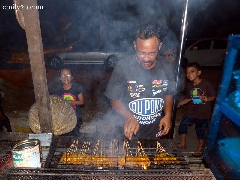 24. Warung Persatuan Nelayan: sate ayam & sate daging