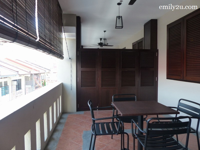 8. Raffles Suite private balcony