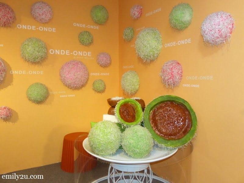 28. onde-onde (sticky rice balls)