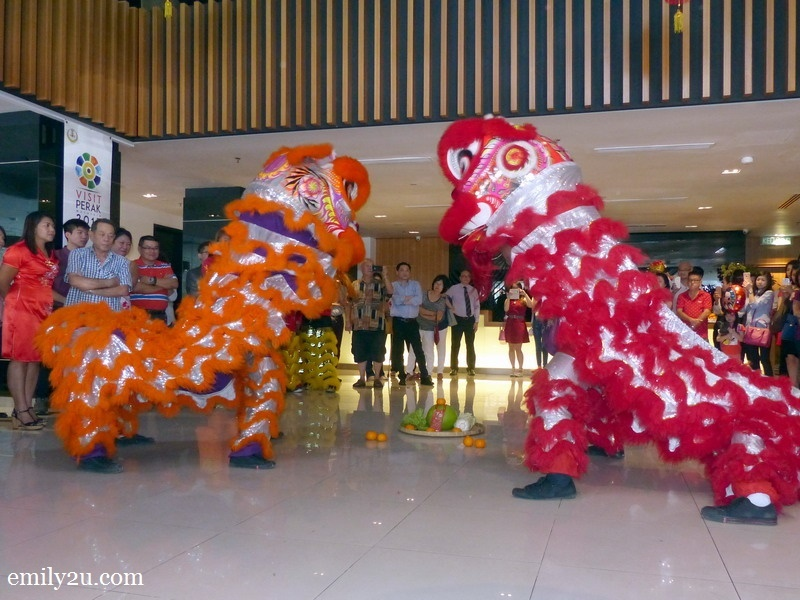 2. lion dance performance at Hotel Excelsior