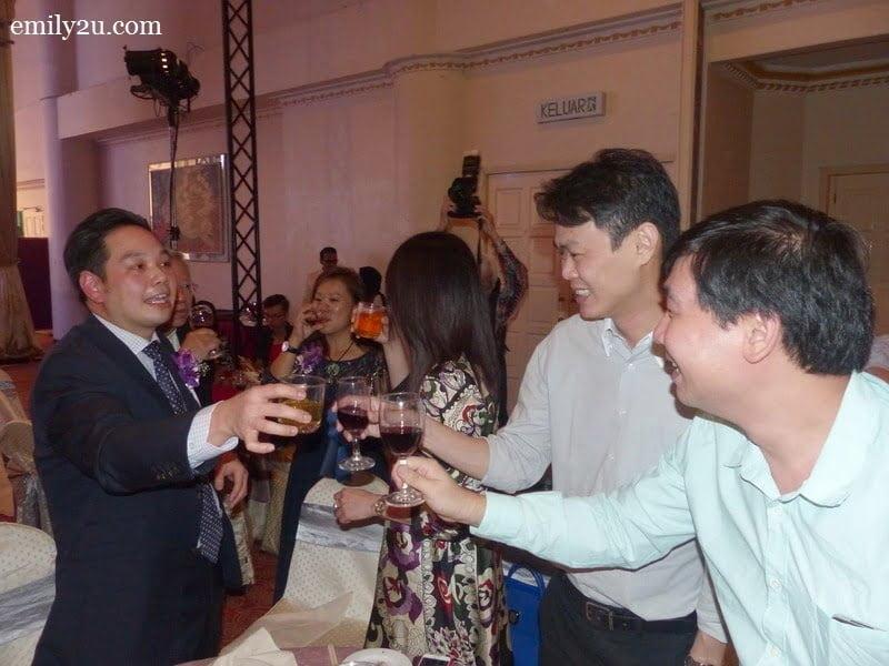 5. Medical Director of LEC Dr. Lee Mun Wai (L) entertains guests