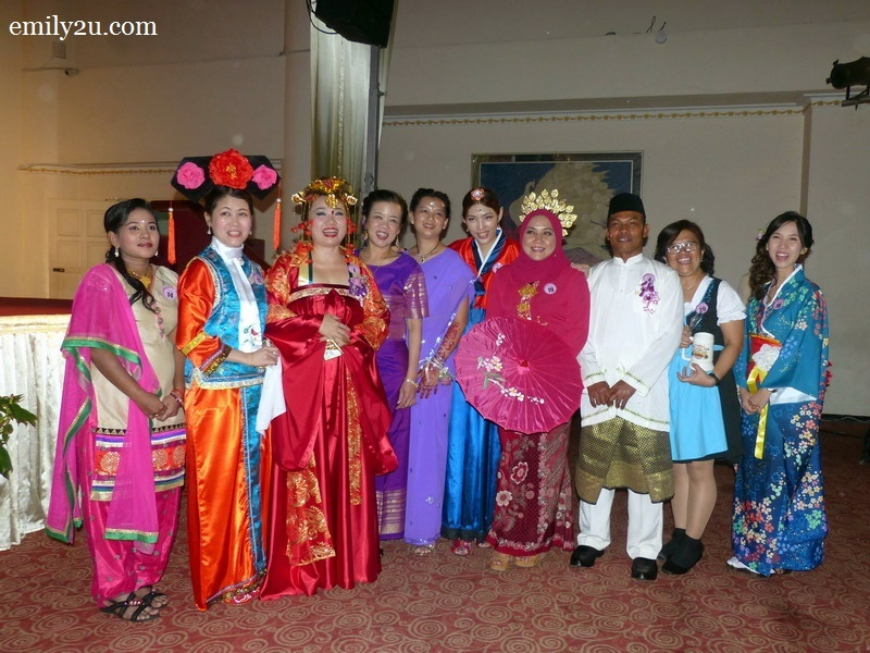 7. International Night: 10 finalists of the Best Costume Award