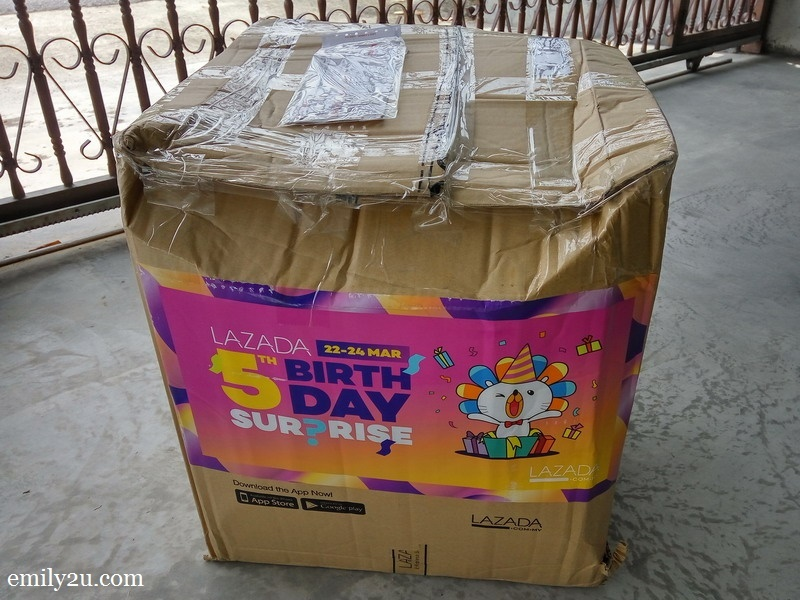 1. my #LazadaSurpri5eBox finally arrives