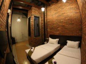 10 Deluxe Twin Room