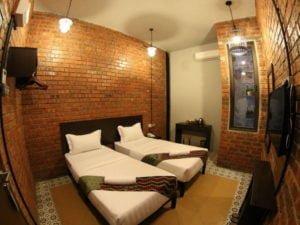 11 Deluxe Twin Room