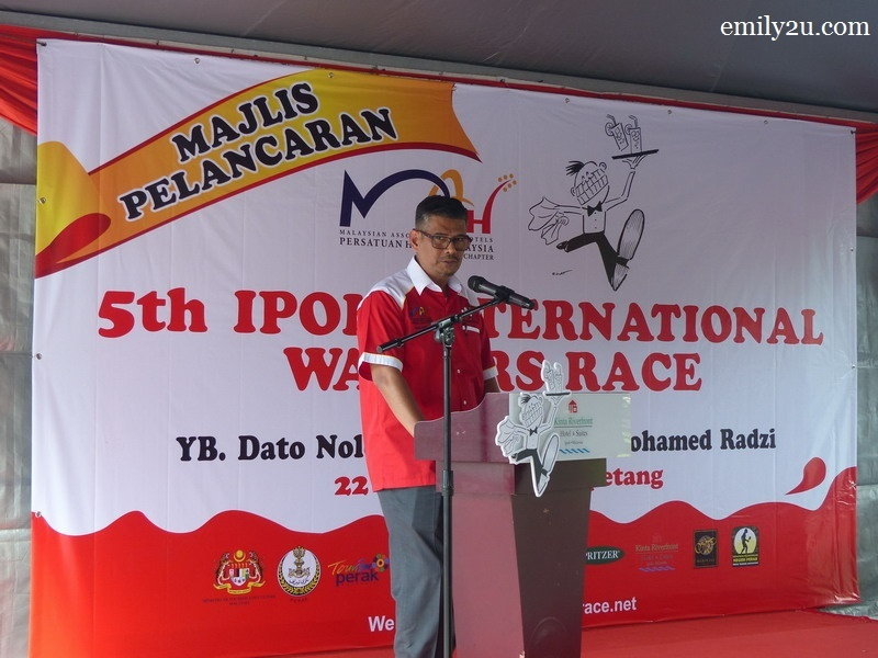 2. organising chairperson of 5th Ipoh International Waiters Race, YM Raja Kamal Bashah bin Raja Abu Bakar