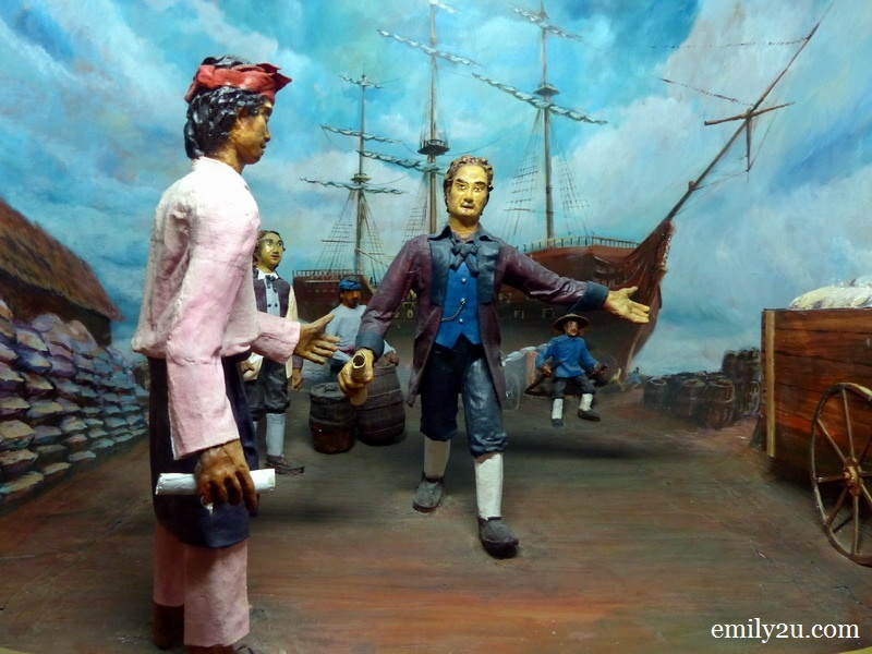7. a diorama depicts Sir Francis Light, who came to trade with Selangor during the reign of Sultan Ibrahim circa 1782 - 1826