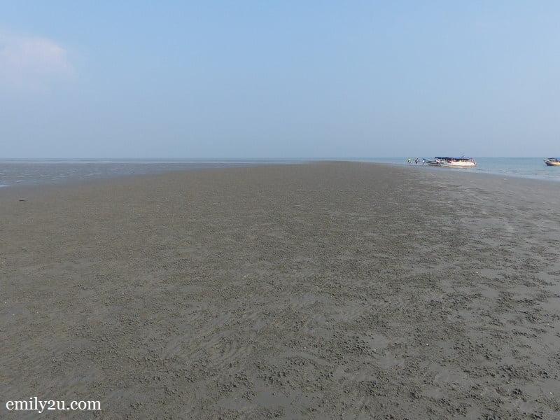 6. Sasaran Beach