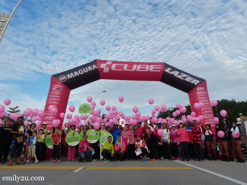 1. Ipoh Pinky Fun Walk about to begin