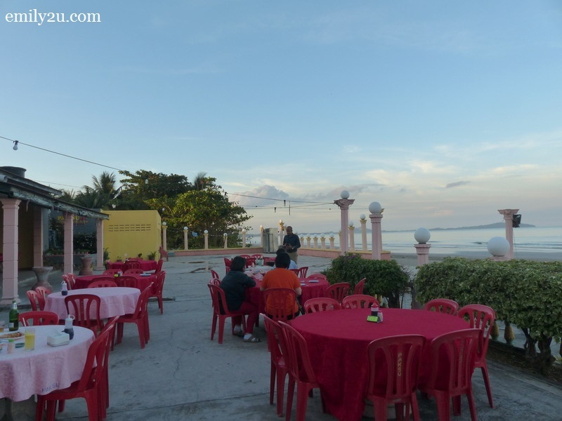 2. dining by the sea