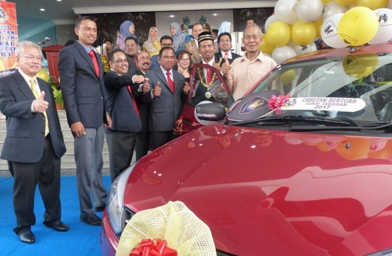 81-Year-Old Widower 'Drives' Home A Brand New Proton Saga 1.3MT